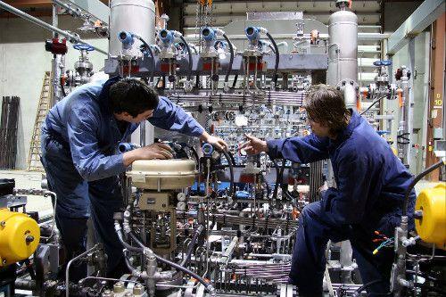 Emploi Technicien de maintenance : réparer les machines en usine